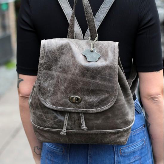 Barcelona Small Rucksack Charcoal Greyish olive Leather