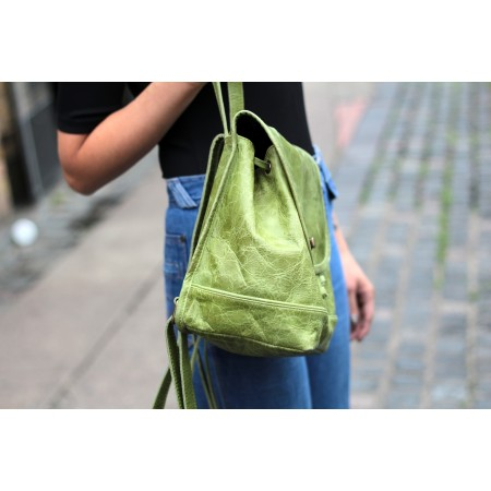 Barcelona Small Rucksack Apple Green Leather