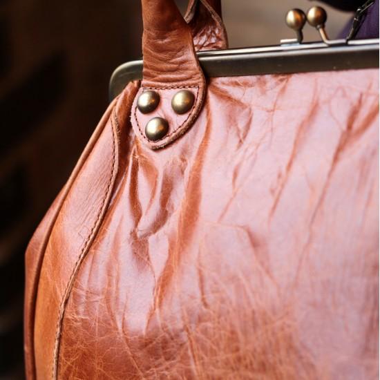Perpetua Tan Scrunchy Leather Clip Bag