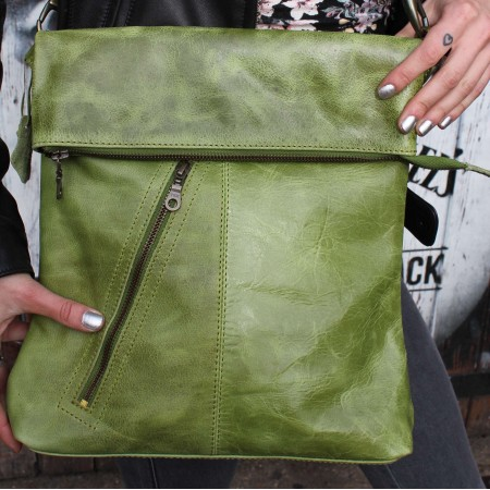 Amelie Messengerbag Crossbodystyle Apple Green Leather