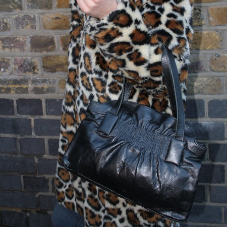 Victoria Medium Clipframe Handbag Leather