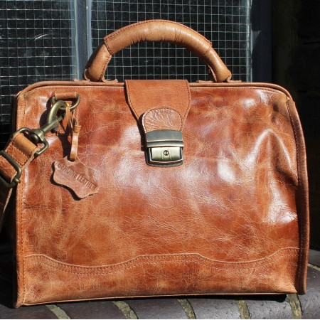 Doctor Bag Medium Tan Leather