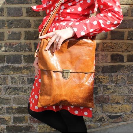Envelope Messenger Tan Leather Large Bag