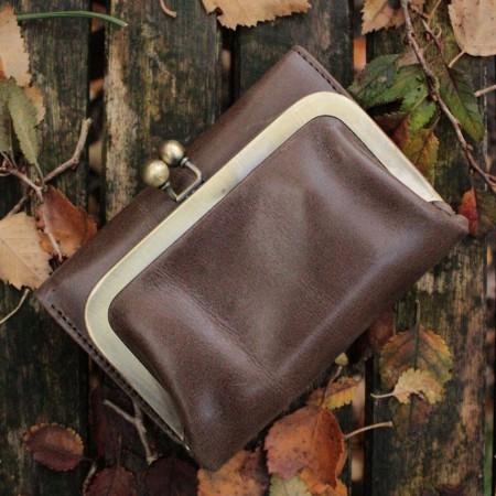 Small Evanna Wallet Kissclip Dark Brown