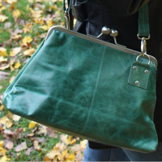 Dark Green Leather Kisslock Crossbody Handbag