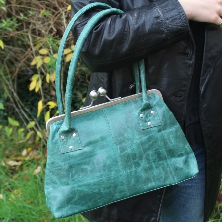 Doris Green Clip Bag Leather