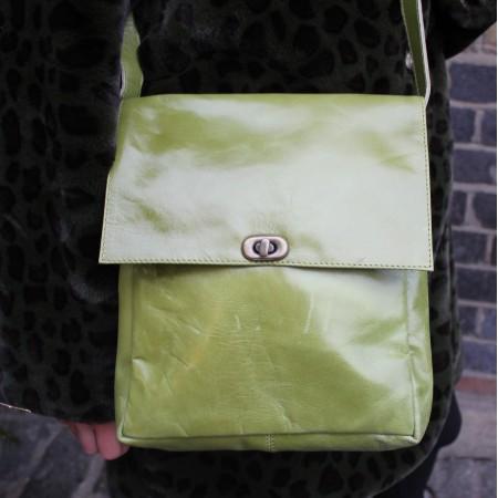 Envelope Leather Messenger Bag Apple Green Twister Medium