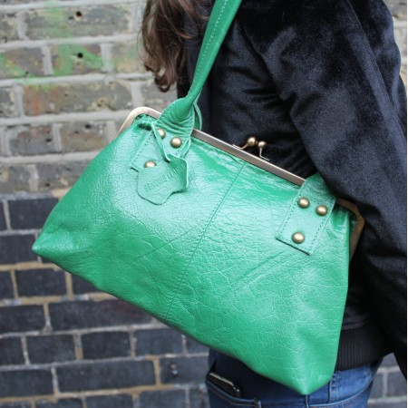 Doris Shoulder Bag Clipframe Irish Green Leather