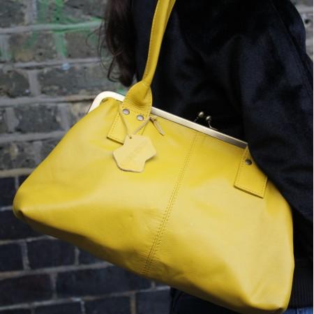 Doris Shoulder Bag Clipframe Yellow