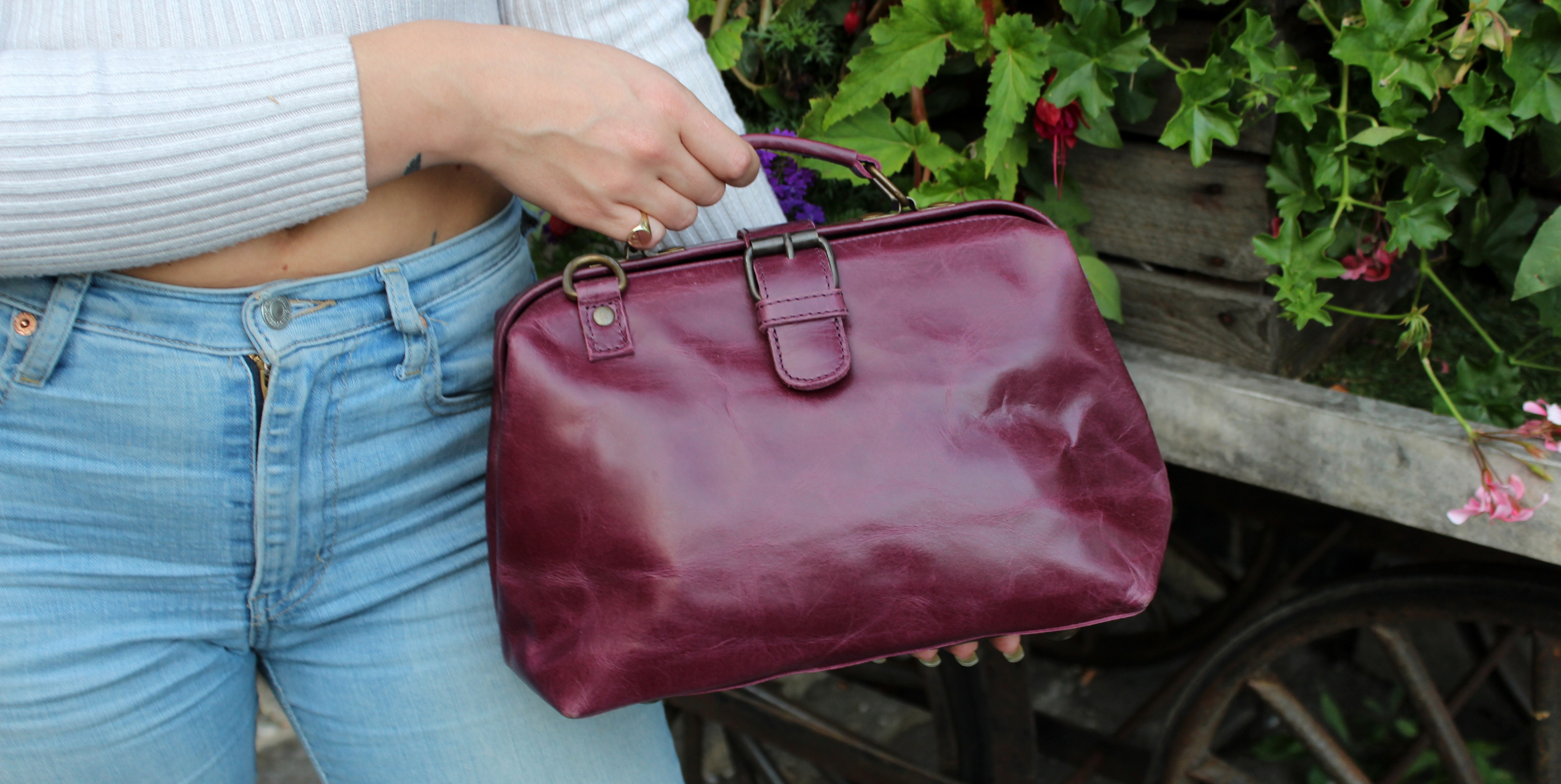 https://www.odilynch.com/doctor-bag-small-purple-leather