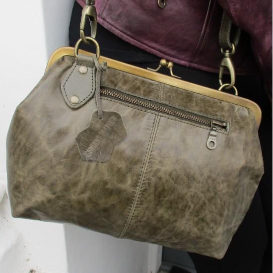 Layla Zipped Kiss Clasp Crossbody Handbag