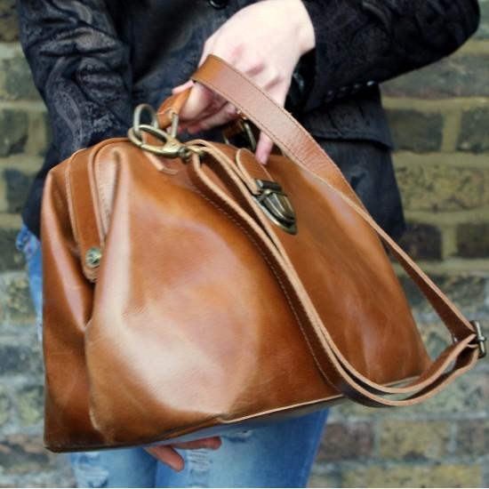 Doctor Bag Medium Tan Smooth  Leather