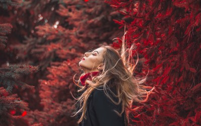Five Reasons To Look Ravishing In Red!