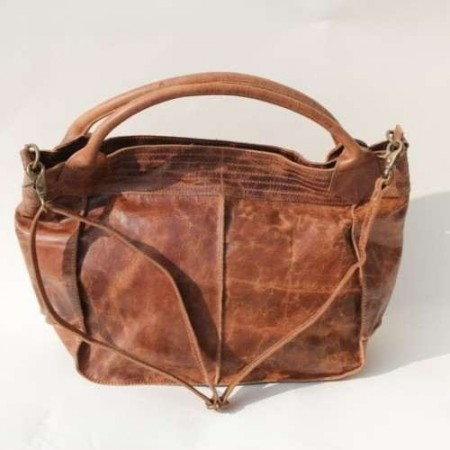 Bach Medium Tote Dark Scrunchy Leather