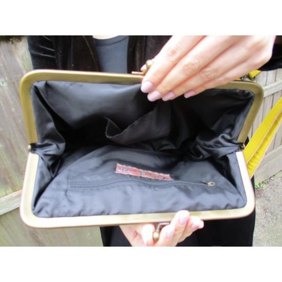 Layla Zipped Kiss Clip Crossbody Bag